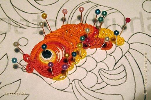 Выполнить данную работу меня,увы, подтолкнуло несчастье. Тяжело заболела моя подруга, она рыбка по знаку зодиака. Я решила попробовать немножко поднять ей настроение и к её дню рождения сделать Золотую рыбку для исполнения желаний. Рыбка Saphir меня к этому подтолкнула. http://stranamasterov.ru/node/500948 - это ссылка на её замечательную работу. фото 7