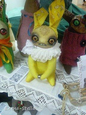 Друзья приглашаю вас в Питер на выставку кукол и мишек тедди!  Сразу скажу, что я не знаю имена всех мастеров  работы которых вы увидите, но я надеюсь, что вам будет интересно пройти по выставке вместе со мной - полюбоваться и зарядиться вдохновением и хорошим настроением! Итак мы у входа - На Большой Морской 38! фото 4