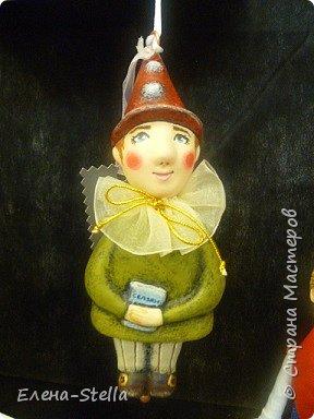 Друзья приглашаю вас в Питер на выставку кукол и мишек тедди!  Сразу скажу, что я не знаю имена всех мастеров  работы которых вы увидите, но я надеюсь, что вам будет интересно пройти по выставке вместе со мной - полюбоваться и зарядиться вдохновением и хорошим настроением! Итак мы у входа - На Большой Морской 38! фото 41