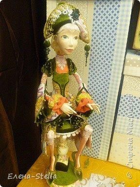 Друзья приглашаю вас в Питер на выставку кукол и мишек тедди!  Сразу скажу, что я не знаю имена всех мастеров  работы которых вы увидите, но я надеюсь, что вам будет интересно пройти по выставке вместе со мной - полюбоваться и зарядиться вдохновением и хорошим настроением! Итак мы у входа - На Большой Морской 38! фото 21