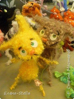 Друзья приглашаю вас в Питер на выставку кукол и мишек тедди!  Сразу скажу, что я не знаю имена всех мастеров  работы которых вы увидите, но я надеюсь, что вам будет интересно пройти по выставке вместе со мной - полюбоваться и зарядиться вдохновением и хорошим настроением! Итак мы у входа - На Большой Морской 38! фото 19