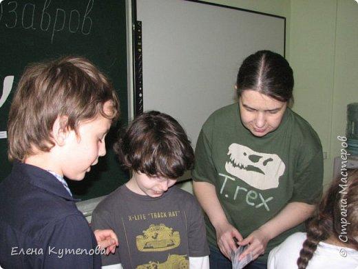 В конце каждого учебного года мы с детьми отправляемся в путешествие, были в Африке на сафари, в Италии в пиццерии, а сегодня было путешествие в мезозойскую эру, эру динозавров. фото 6
