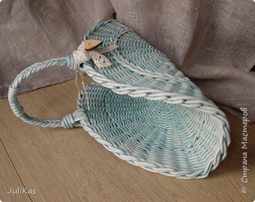 Здравствуйте, коллеги. Показываю мои работы букетного периода. №1 Корзинка голубая (впоследствии может стать газетницей). А пока она посвящена моему любимому весеннему цветку - пиону. фото 4