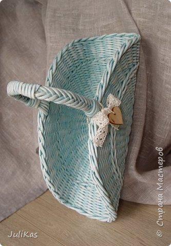 Здравствуйте, коллеги. Показываю мои работы букетного периода. №1 Корзинка голубая (впоследствии может стать газетницей). А пока она посвящена моему любимому весеннему цветку - пиону. фото 8