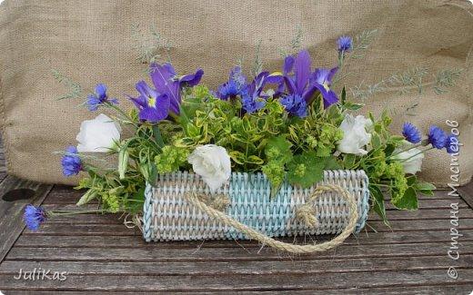 Здравствуйте, коллеги. Показываю мои работы букетного периода. №1 Корзинка голубая (впоследствии может стать газетницей). А пока она посвящена моему любимому весеннему цветку - пиону. фото 13
