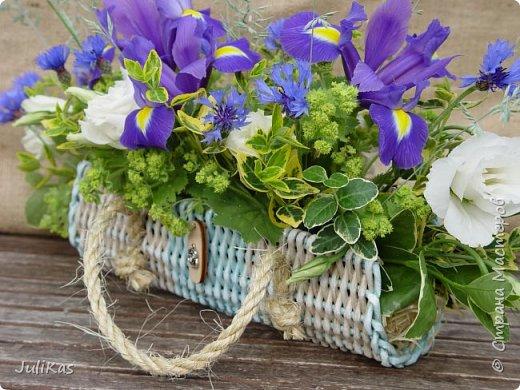 Здравствуйте, коллеги. Показываю мои работы букетного периода. №1 Корзинка голубая (впоследствии может стать газетницей). А пока она посвящена моему любимому весеннему цветку - пиону. фото 14