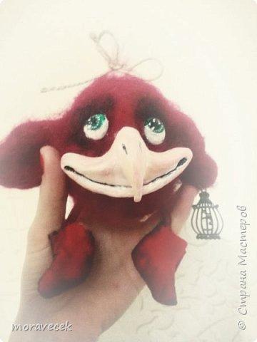 Птичка красная с хохолком)) (сухое валяние) а источник вдохновления http://stranamasterov.ru/node/993051 - спасибо ей за прекрасные работы фото 1