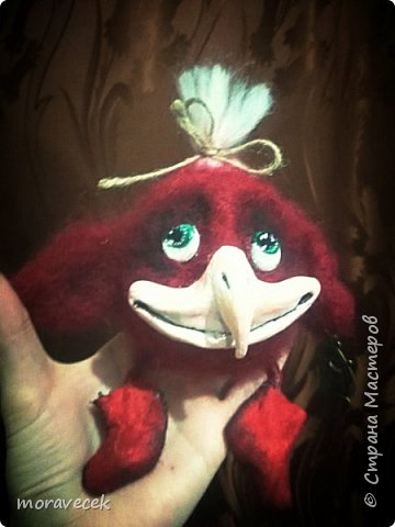 Птичка красная с хохолком)) (сухое валяние) а источник вдохновления http://stranamasterov.ru/node/993051 - спасибо ей за прекрасные работы фото 2