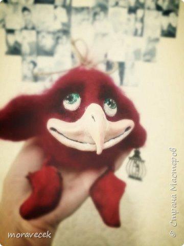 Птичка красная с хохолком)) (сухое валяние) а источник вдохновления http://stranamasterov.ru/node/993051 - спасибо ей за прекрасные работы фото 4