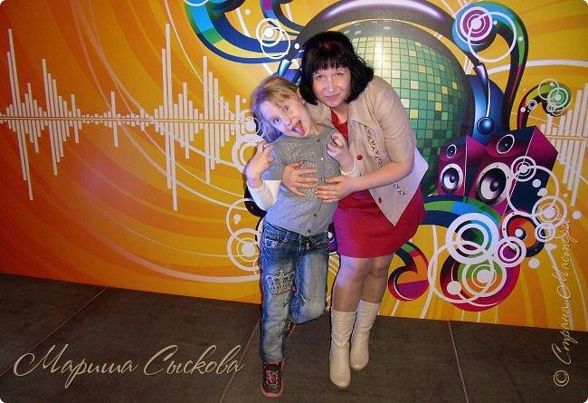 Решили мы с дочей на выпускной пойти в одинаковых платьях))  вот мама озадачивалась и шила )) фото 28