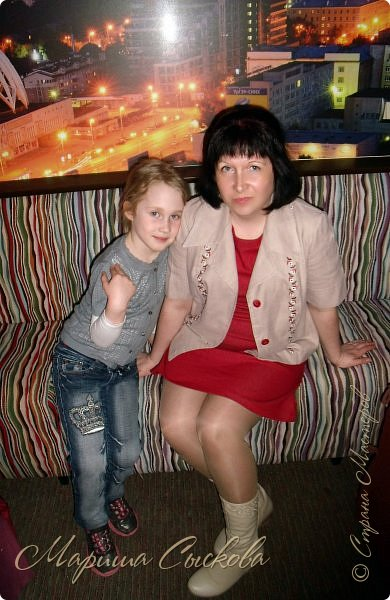 Решили мы с дочей на выпускной пойти в одинаковых платьях))  вот мама озадачивалась и шила )) фото 29