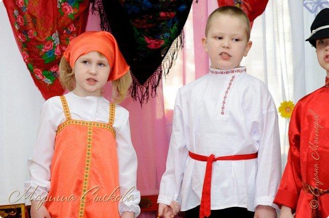 Решили мы с дочей на выпускной пойти в одинаковых платьях))  вот мама озадачивалась и шила )) фото 26