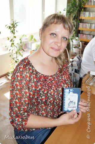 Всем здравствуйте! Недавно я выставляла отчет по МК открыток для библиотекарей на профессиональный праздник. http://stranamasterov.ru/node/1030095 А в благодарность за участие 5 девочкам сделала 15 обложек на паспорт. Обложечки простенькие, бюджетный вариант.Вот сейчас я хочу вам их показать. фото 32
