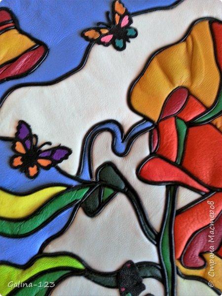 Маки с бабочками.Кожаная кинусайга-витраж фото 4