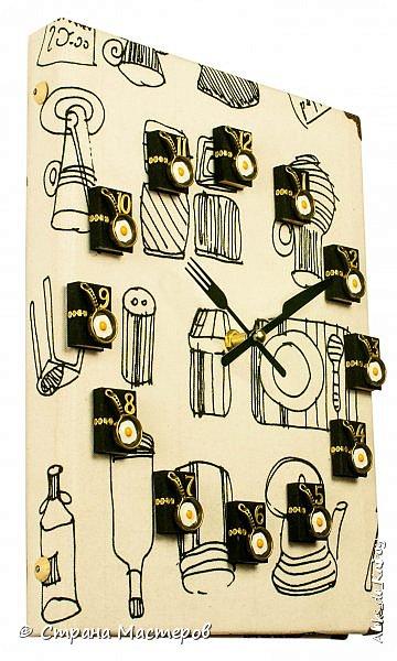 Доброго всем времени суток! Выкладываю новою работу - Книгу рецептов-1 работа готова была давно, не было времени отснять. Обложка - гардинная голландская ткань Цифры - бархатные мини-книжечки ручной работы и декоративные элементы (нано-сковородки с нано-яичницой из нано-яиц от нано-куриц))) Часы созданы под заказ для кухни в белых тонах. В подобном формате будут созданы ещё пара работ. Приятного всем дня! фото 2