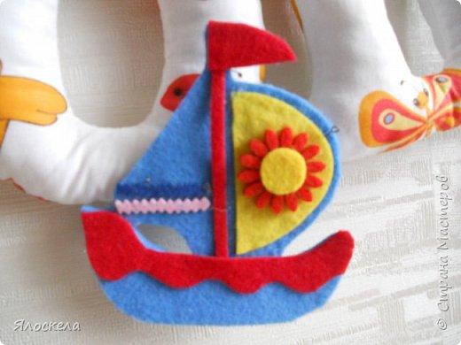 К дню рождения внука приготовила вот такой подарок для украшения детской ( материал бязь, косая бейка, фетр) фото 2