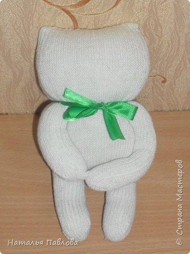 Кошечка из обыкновенной хозяйственной перчатки-простая и дешевая игрушка для ребенка фото 8