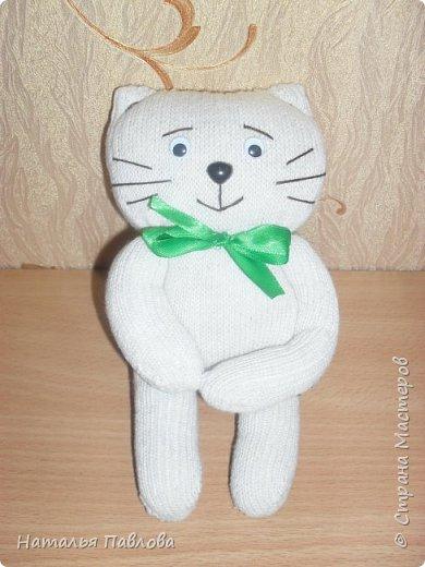 Кошечка из обыкновенной хозяйственной перчатки-простая и дешевая игрушка для ребенка фото 9