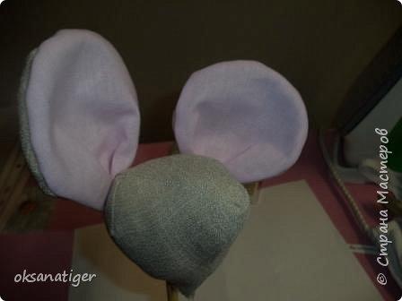 Всем доброго времени суток.  Вот увидела в инете мышку с большими ушами. А МК ни где не нашла, только выкройка. Решила вот попробовать его сделать. Это мой первый МК, не судите строго. Вот катая Мышуня у меня получилась. фото 5