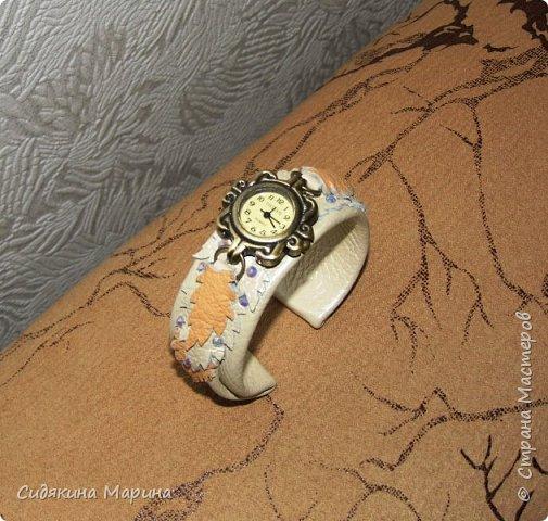 часы-браслет из кожи фото 3
