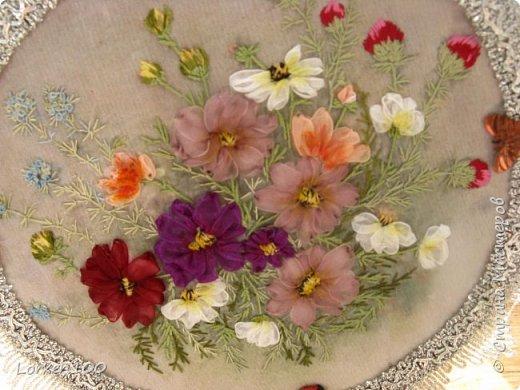 """Добрый день,мои дорогие соседи!!Хорошего всем воскресного дня и замечательного настроения!!!У нас жара и делать ничего не хочется,летнее затишье,но,все-таки,совсем ничего не делать не получается! Вот и цветочки такие родились.Получилась """"медалька"""" летняя-просто так,для души! фото 2"""