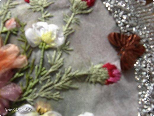 """Добрый день,мои дорогие соседи!!Хорошего всем воскресного дня и замечательного настроения!!!У нас жара и делать ничего не хочется,летнее затишье,но,все-таки,совсем ничего не делать не получается! Вот и цветочки такие родились.Получилась """"медалька"""" летняя-просто так,для души! фото 4"""