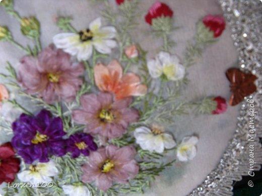 """Добрый день,мои дорогие соседи!!Хорошего всем воскресного дня и замечательного настроения!!!У нас жара и делать ничего не хочется,летнее затишье,но,все-таки,совсем ничего не делать не получается! Вот и цветочки такие родились.Получилась """"медалька"""" летняя-просто так,для души! фото 6"""