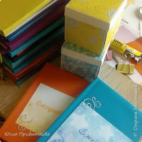 Вот такие подарочки получились на выпускной из начальной школы у старшей дочурки) фото 5