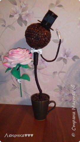 Джентльмен из кофейных зерен фото 2