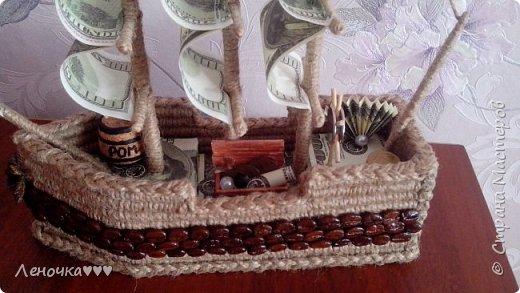 Корабль из кофе и шпагата,коктельных трубочек фото 2