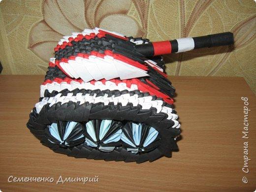 Мой первый танк по МК из блога Сергея Тарасова http://origamimodule.ru/tank-origami.html был изготовлен ко Дню Защитника Отечества фото 2