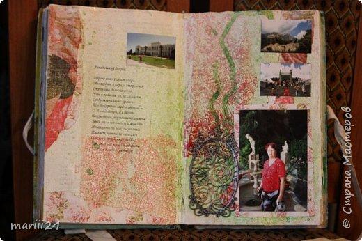 Добрый день, уважаемые соседи. Сегодня хочу показать альбом, подаренный моей любимой тетушке на ДР. Она большая любительница Крыма, поэтому я и сделала этот альбом из ее крымских фото. Коробка для альбома: фото 8