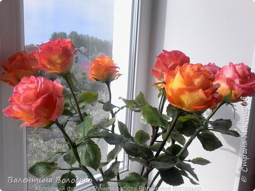 Здравствуйте жители Страны Мастеров!!!Вот такой букет из девяти роз !!!!Розы уже давно нашли своих владельцев,а только сейчас нашла время показать их вам. фото 1