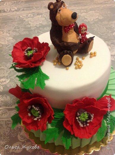 Доброго времени суток, жители Страны! Хочу показать мой новый детский тортик. Маша и Миша с маками! Хотя в мультике, вроде, маков не было... Ну, да ладно! фото 2