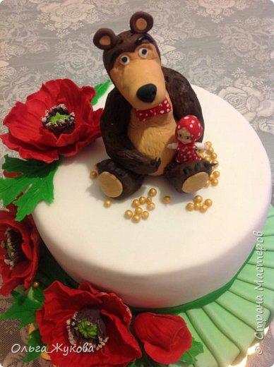 Доброго времени суток, жители Страны! Хочу показать мой новый детский тортик. Маша и Миша с маками! Хотя в мультике, вроде, маков не было... Ну, да ладно! фото 4