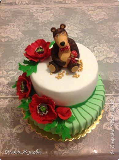 Доброго времени суток, жители Страны! Хочу показать мой новый детский тортик. Маша и Миша с маками! Хотя в мультике, вроде, маков не было... Ну, да ладно! фото 6