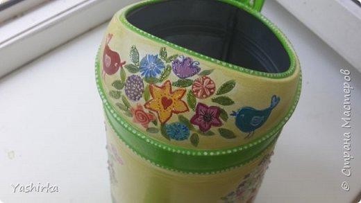 Жалко не видно, но я приклеила стразы разных цветов в серединки цветочков))))) фото 2
