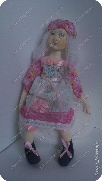 Кукла создана с большими усилиями...По мотивам кукол Долькирадуги,она же Машери,она же Кира Сашина,и Кира Кинаш.Теперь и у меня дома живет эта радость...Буду стремиться создавать еще больше такой красоты:-).Не скромно.... фото 8