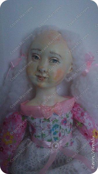 Кукла создана с большими усилиями...По мотивам кукол Долькирадуги,она же Машери,она же Кира Сашина,и Кира Кинаш.Теперь и у меня дома живет эта радость...Буду стремиться создавать еще больше такой красоты:-).Не скромно.... фото 10