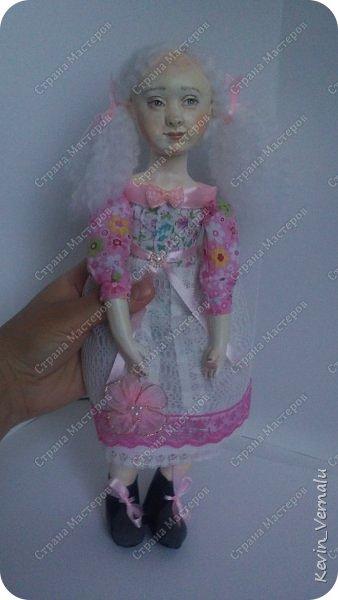 Кукла создана с большими усилиями...По мотивам кукол Долькирадуги,она же Машери,она же Кира Сашина,и Кира Кинаш.Теперь и у меня дома живет эта радость...Буду стремиться создавать еще больше такой красоты:-).Не скромно.... фото 6