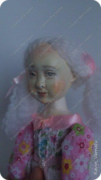 Кукла создана с большими усилиями...По мотивам кукол Долькирадуги,она же Машери,она же Кира Сашина,и Кира Кинаш.Теперь и у меня дома живет эта радость...Буду стремиться создавать еще больше такой красоты:-).Не скромно.... фото 7