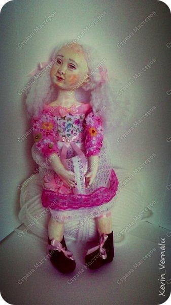 Кукла создана с большими усилиями...По мотивам кукол Долькирадуги,она же Машери,она же Кира Сашина,и Кира Кинаш.Теперь и у меня дома живет эта радость...Буду стремиться создавать еще больше такой красоты:-).Не скромно.... фото 12