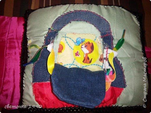 Сшила доченьке развивающую книжку.Это моя самая объемная работа,шить начала еще будучи беременной.Придумывала интересные сюжеты,что то высмотрела в интернете. фото 4