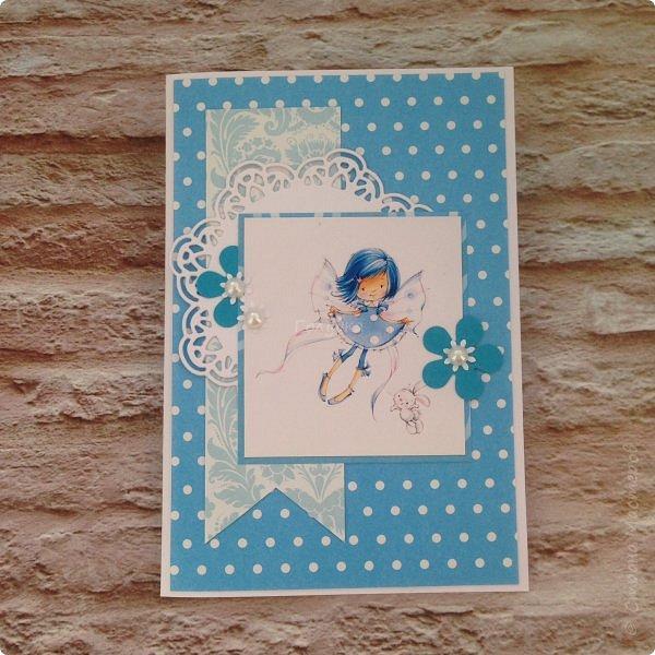 В понедельник я проводила занятие в детском центре. Делали мы открыточку с феечками Марины Федотовой. Открытка двойная с внутренним, хоть и минимальным оформлением. фото 1
