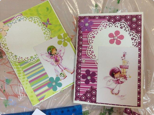 В понедельник я проводила занятие в детском центре. Делали мы открыточку с феечками Марины Федотовой. Открытка двойная с внутренним, хоть и минимальным оформлением. фото 5