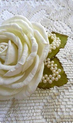 Всем здравствуйте! На этот раз у меня родилась вот такая замечательная сливочная роза - брошь) Она очень нежная и вкусная)))) фото 1