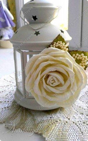 Всем здравствуйте! На этот раз у меня родилась вот такая замечательная сливочная роза - брошь) Она очень нежная и вкусная)))) фото 2