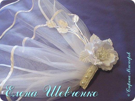 Всем привет, сегодня я вас научу делать свадебную фату на гребешке с тканевым красивым цветком. Фото выкроек цветка и готового изделия прилагаются, приглашаю всех к просмотру урока и обучению.   фото 1