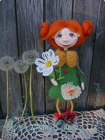 Здравствуйте, мои милые девочки! Так рада вам всем! Спасибо что ждали и не забывали меня! Я вся была в творчестве! За это время много чего натворилось! С  удовольствием с вами поделюся новыми своими работами. Ангелочек ромашковый, добрая и ласковая девчушка. Любительница цветов,особенно ромашек. Напомнит вам о приближение лета , даря вам свою улыбочку и хорошее настроение! 27 см. фото 5