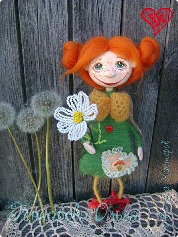 Здравствуйте, мои милые девочки! Так рада вам всем! Спасибо что ждали и не забывали меня! Я вся была в творчестве! За это время много чего натворилось! С  удовольствием с вами поделюся новыми своими работами. Ангелочек ромашковый, добрая и ласковая девчушка. Любительница цветов,особенно ромашек. Напомнит вам о приближение лета , даря вам свою улыбочку и хорошее настроение! 27 см. фото 3